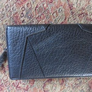 Kenneth Cole black leather clutch with zipper, nwo